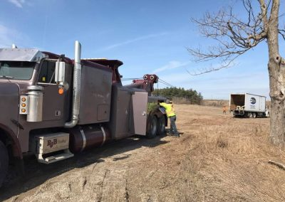 Heavy Wrecker Tow Truck Recovery